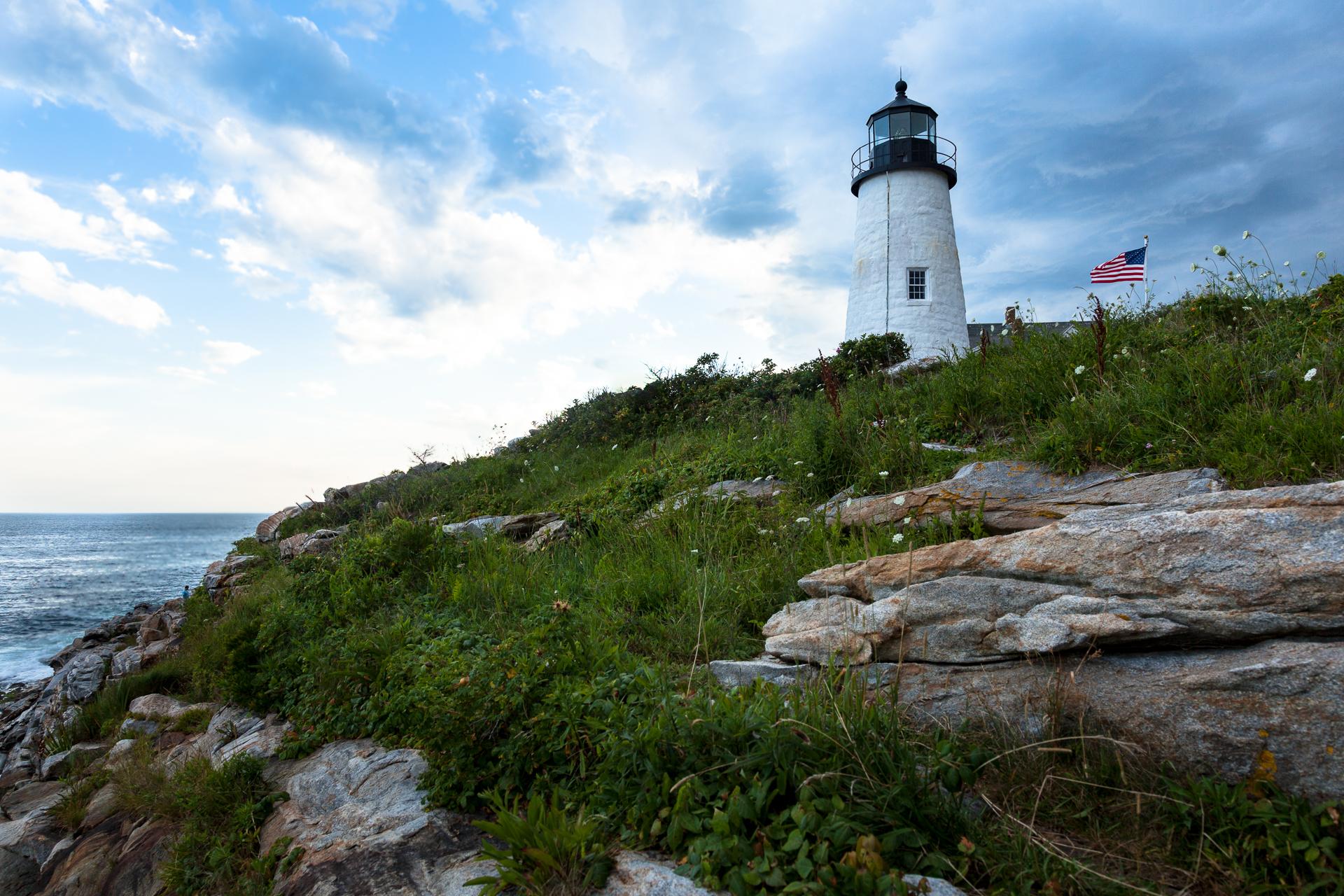 lighthouse, maine, rocky coast